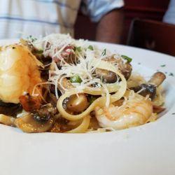 Foto Zu Il Pomodoro Italian Restaurant Fort Myers Fl Vereinigte Staaten Fettuccine