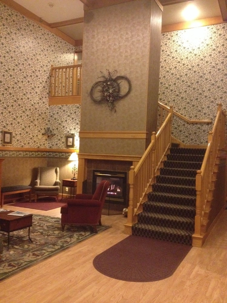 Chisholm Inn & Suites: 501 Iron Dr, Chisholm, MN