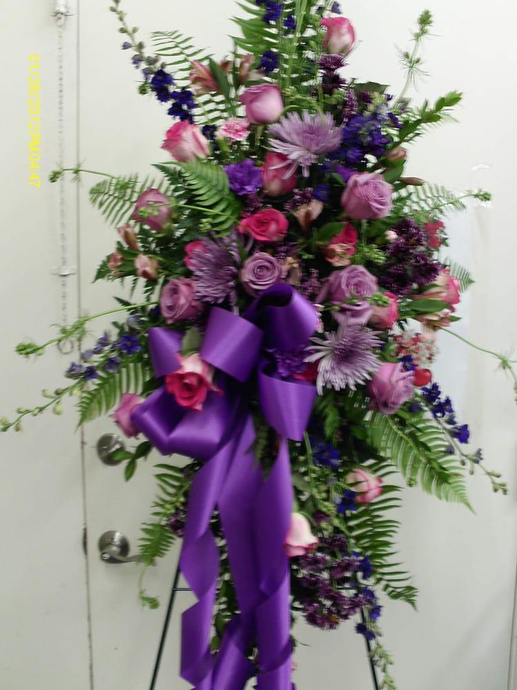 8 photos for Tehachapi Flower Shop
