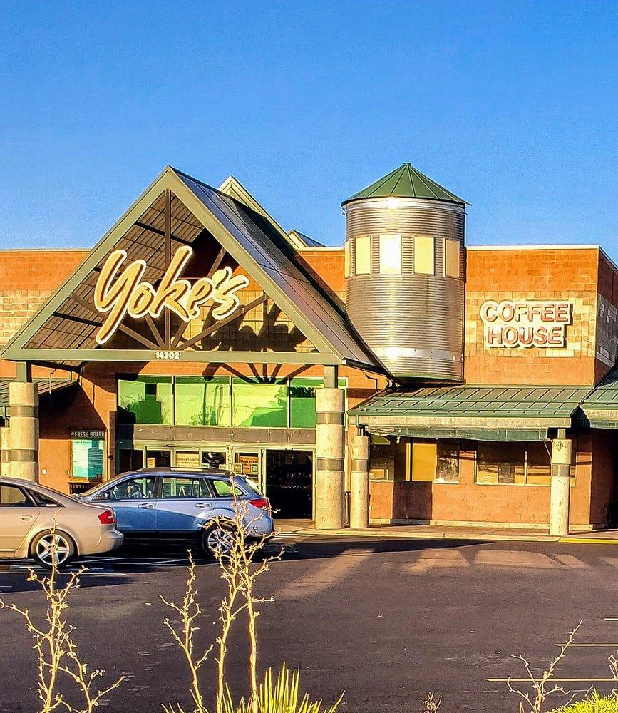 Yoke's Fresh Market: 14202 N Market St, Mead, WA