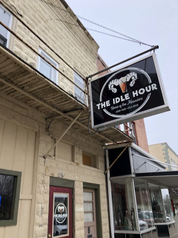 Maggie's Idle Hour: 115 S Wesley Ave, Mount Morris, IL
