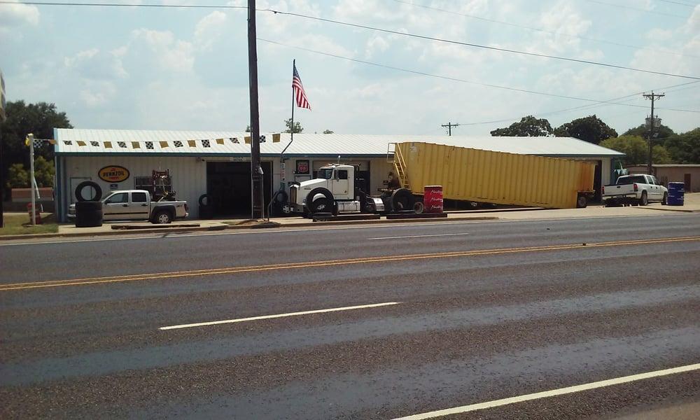 E&S Discount Tires: 376 E Pine St, Frankston, TX