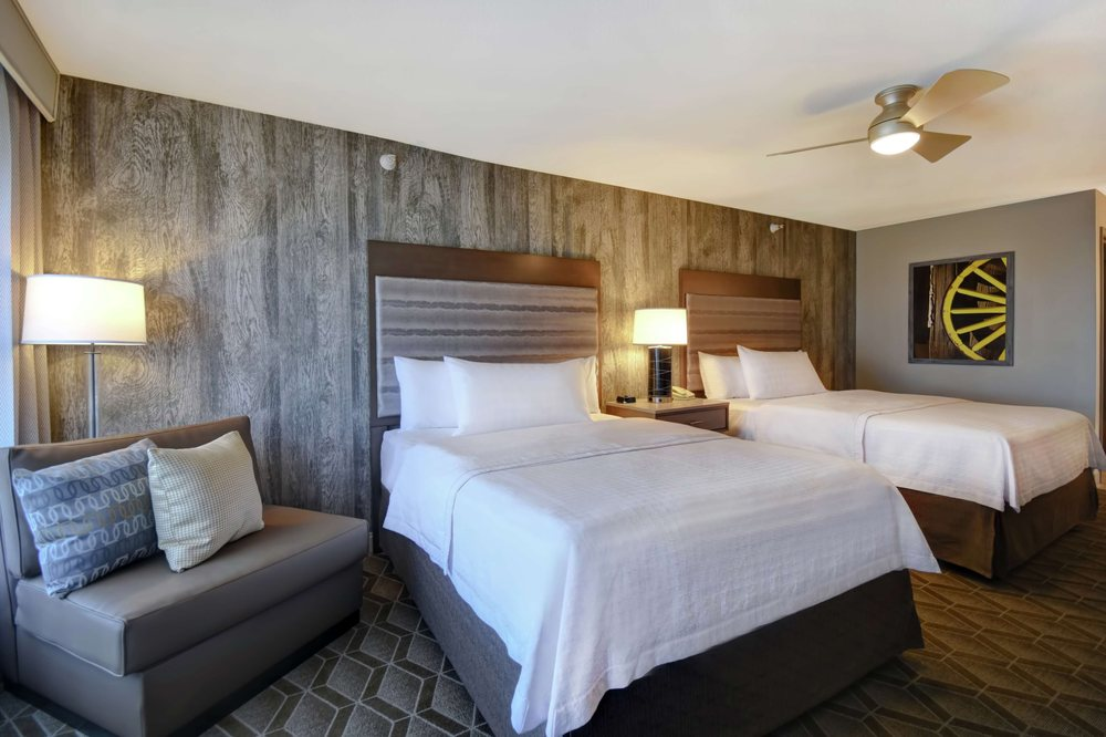 Homewood Suites by Hilton @ The Waterfront: 1550 N Waterfront Pkwy, Wichita, KS