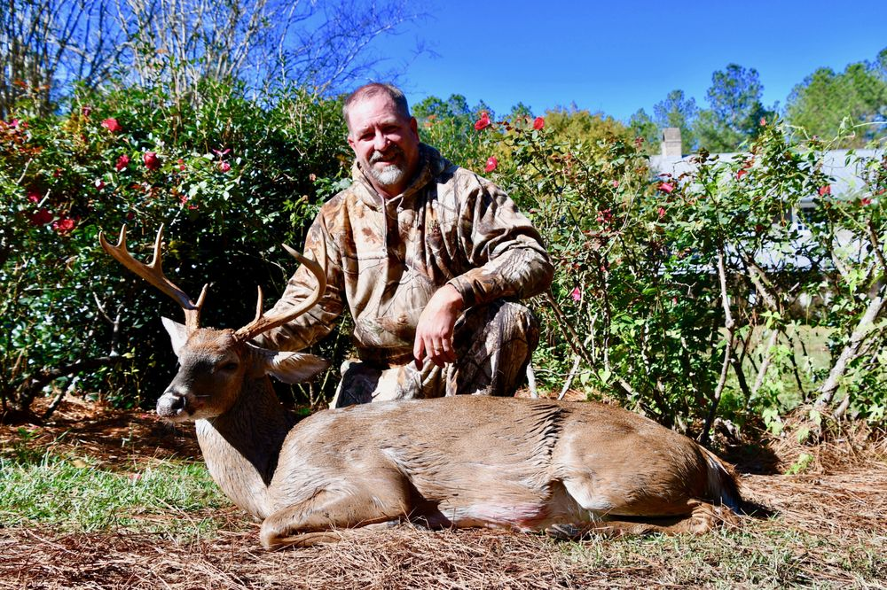 Red Bluff Lodge: 130 Boone Trl, Allendale, SC