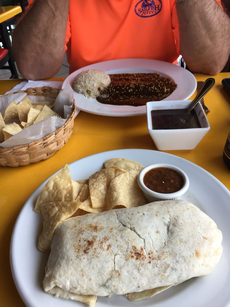 Guakamole's Mexican Grill & Cafe