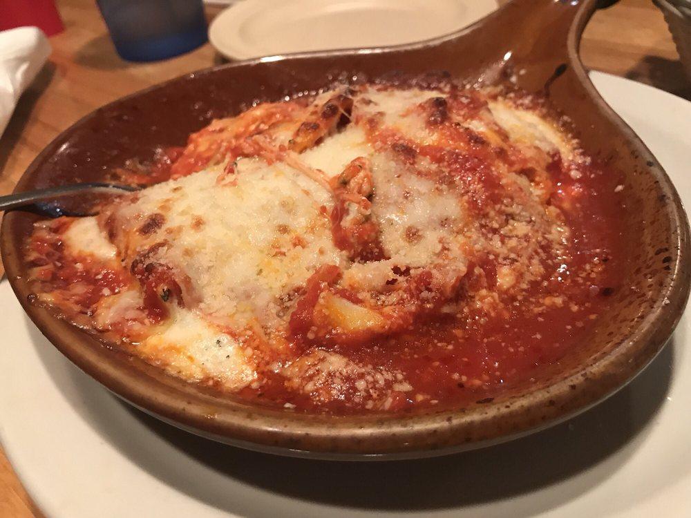 Napoli's Italian Restaurant: 1301 N Broadway, Pittsburg, KS
