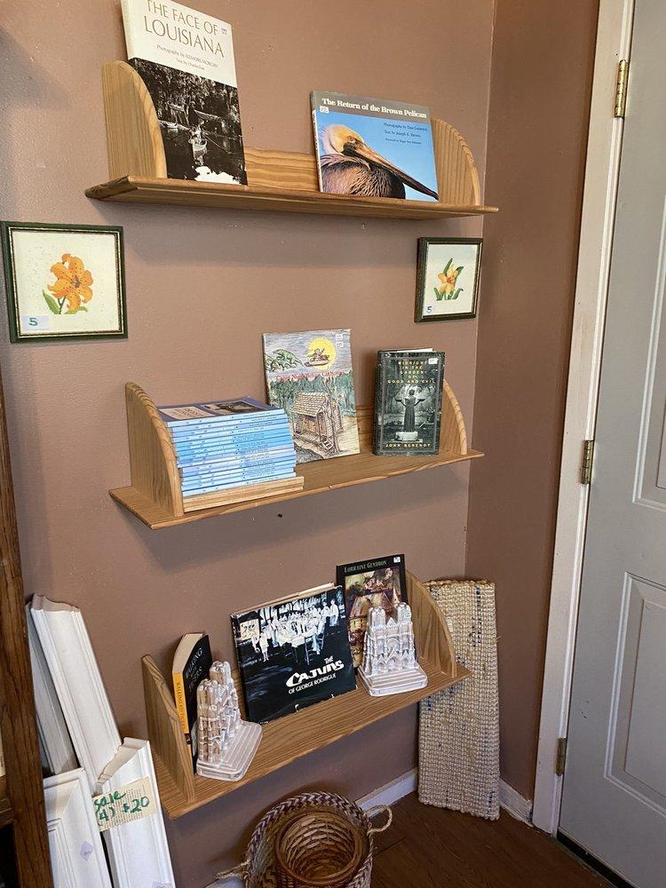 My Book House: 175 Highway 61 S, Natchez, MS