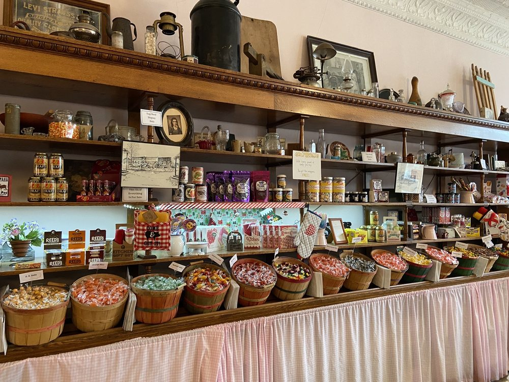 Cousin's Candy Shop: 213 W Wallace, Virginia City, MT