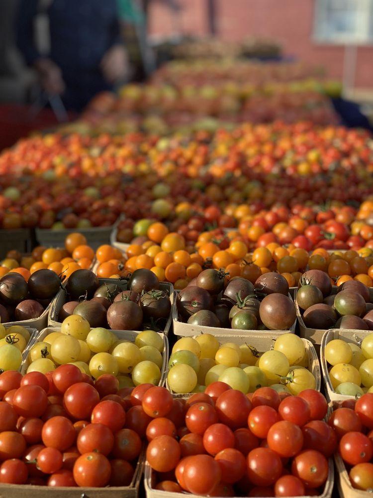 Charlottesville City Market: 100 Water St, Charlottesville, VA