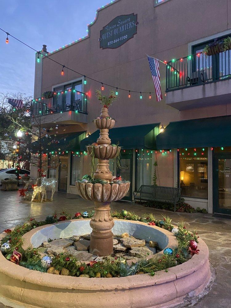 Union Square Guest Quarters: 234 E Main St, El Dorado, AR