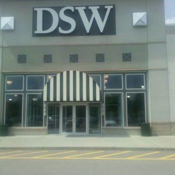 Dsw Designer Shoe Warehouse 15 Photos Shoe Stores 747 Donald J Lynch Blvd Marlborough Ma