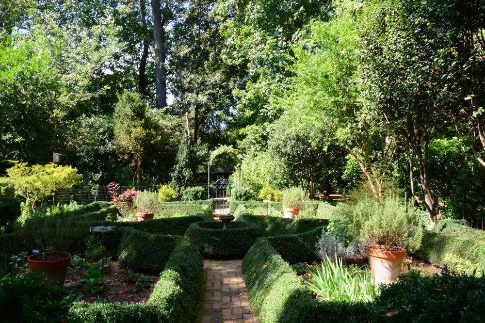 Photos for wing haven gardens bird sanctuary yelp - Wing haven gardens and bird sanctuary ...