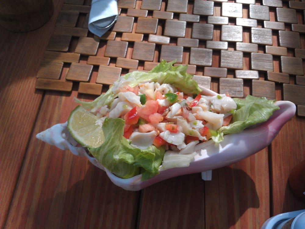 Bugaloo's Conch Crawl: Providenciales, UM