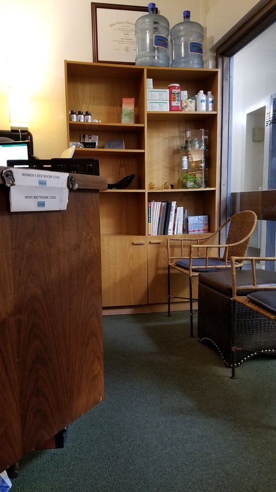 Manoa Chiropractic and Therapeutic Massage: 2851 E Manoa Rd, Honolulu, HI
