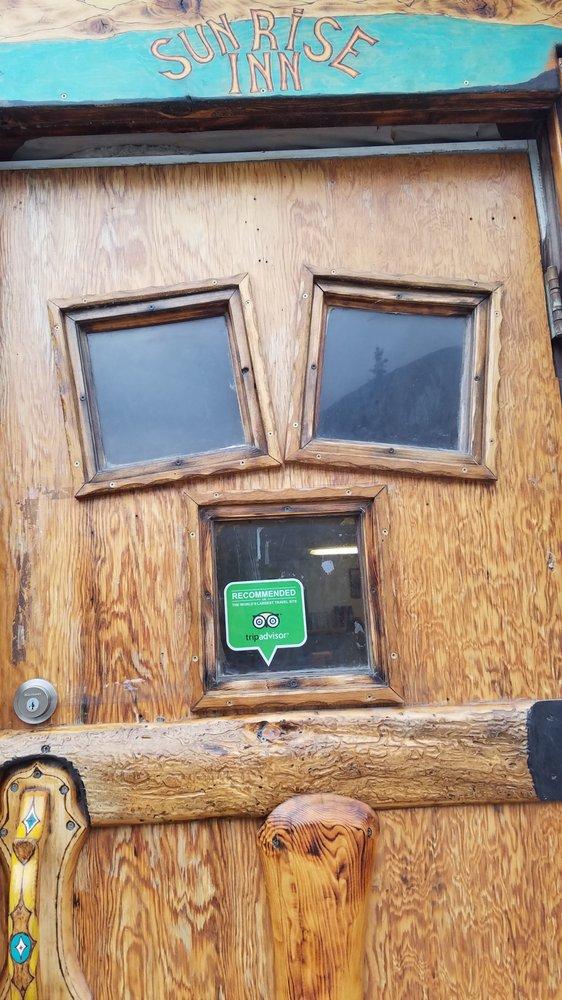 Sunrise Inn: Mile 45 Sterling Hwy, Cooper Landing, AK