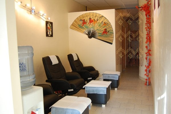 Lucky eastern spa 48 reviews massage 647 2nd ave for 2nd avenue salon