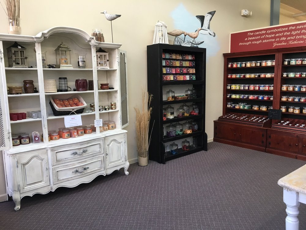 Lighthouse Candles: 28 E Main St, Mount Sterling, KY