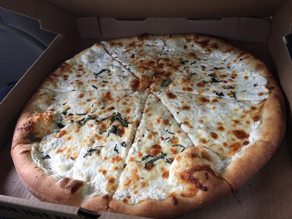 Gustavo's Pizzeria: 16 Public Sq S, Dahlonega, GA