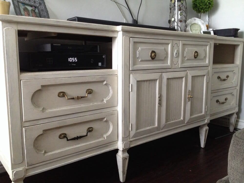Annie Sloan Chalk Paint In Old White With Clear Wax Yelp