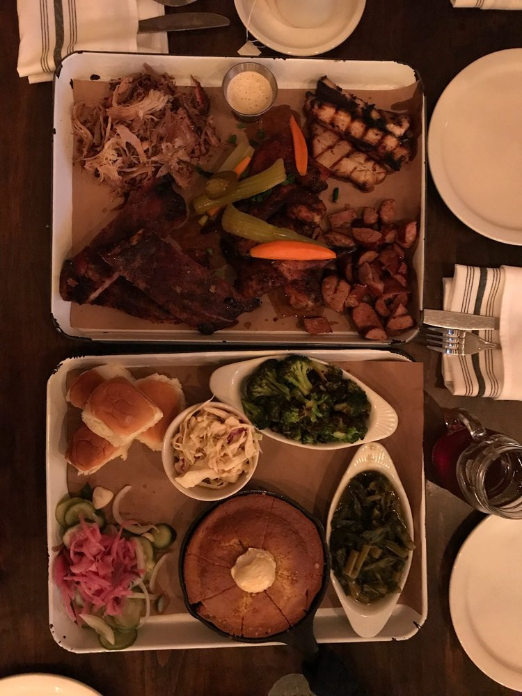 Poogan's Smokehouse