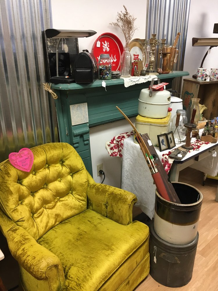 Junk and Disorderly: 524 Mckean Ave, Donora, PA