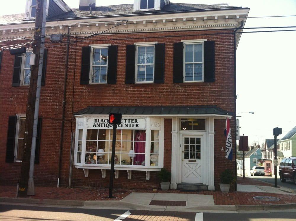 Black Shutter Antique Center: 1 Loudoun St SE, Leesburg, VA