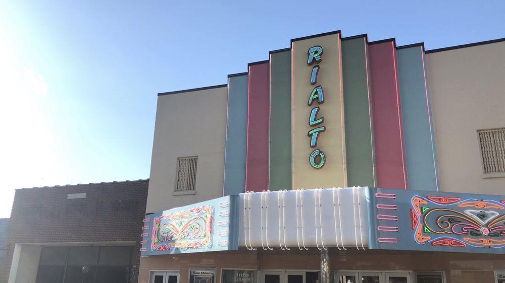 Rialto Theater: 100 W Race Ave, Searcy, AR