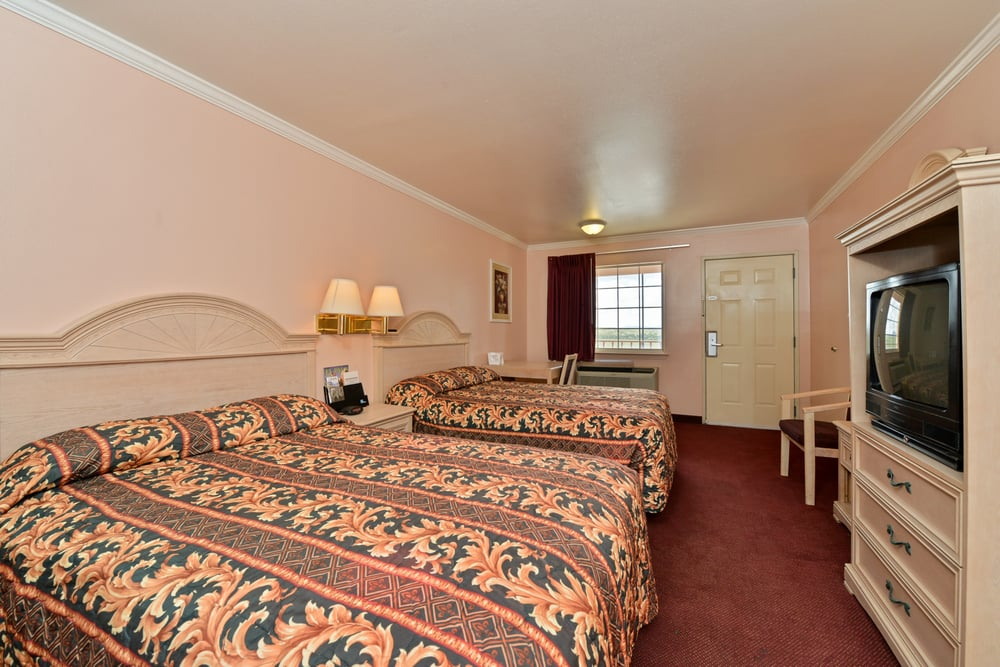 Americas Best Value Inn-Anthony/El Paso West: 100 Park N Dr, Anthony, TX