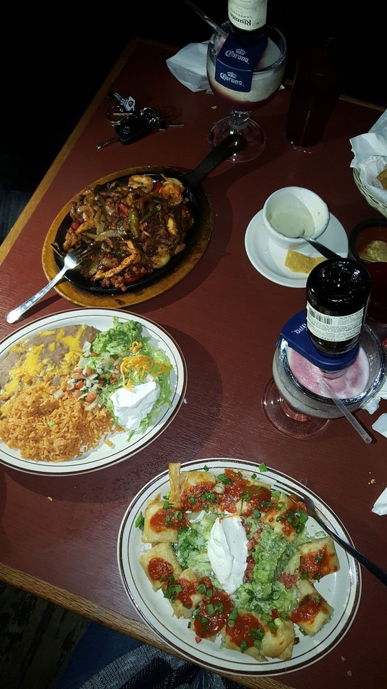 Food from Los Cabos Family Restaurant