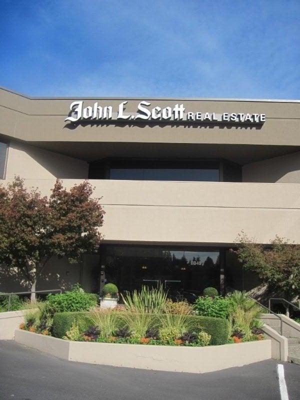 Stephen Macdonald - Avenue Properties: 305 - 108th Ave NE, Bellevue, WA