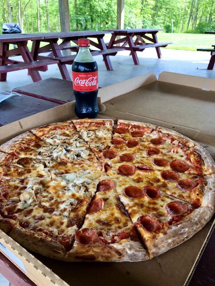 Pizza 2 U: 8 W King St, Littlestown, PA