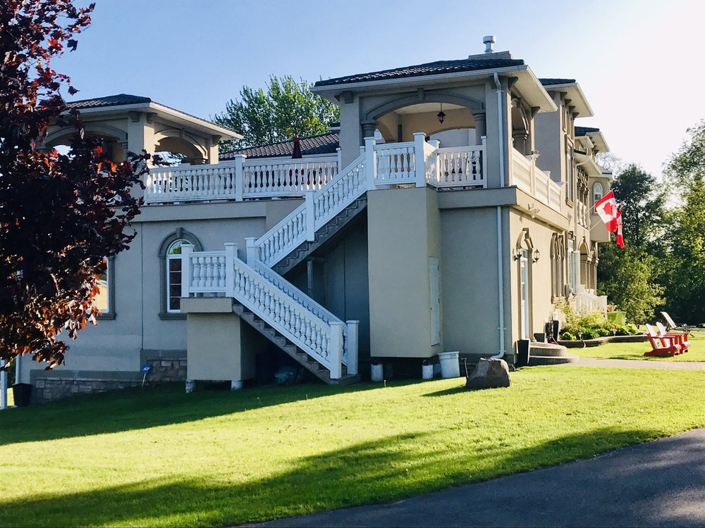Riverview B&b: 255 Thousand Islands Parkway, Gananoque, ON