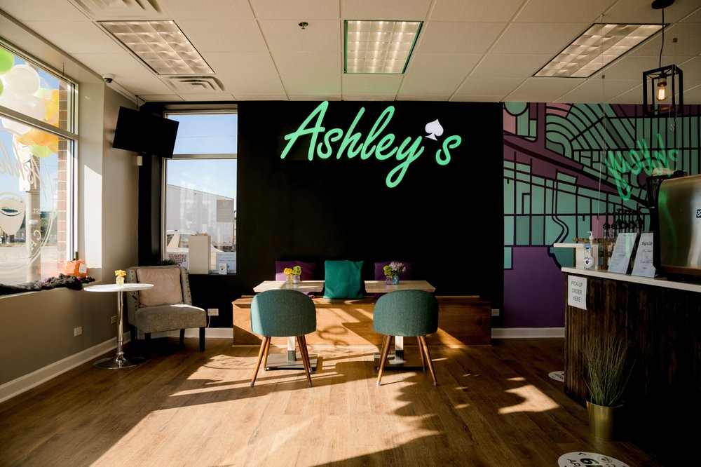 Ashley's Cafe & Tap: 7500 W Grand Ave, Elmwood Park, IL