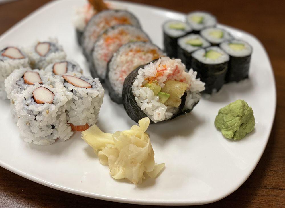 Sushi Den: 716 N Pontiac Trl, Walled Lake, MI