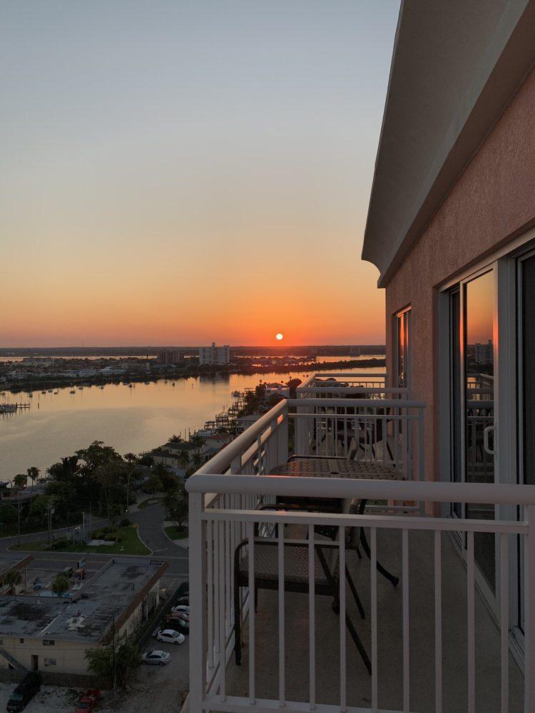 Hyatt Regency Clearwater Beach Resort & Spa: 301 S Gulfview Blvd, Clearwater, FL