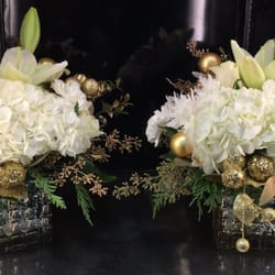 Photo of Bonita Flowers & Gifts - Mcallen, TX, United States. Christmas cube