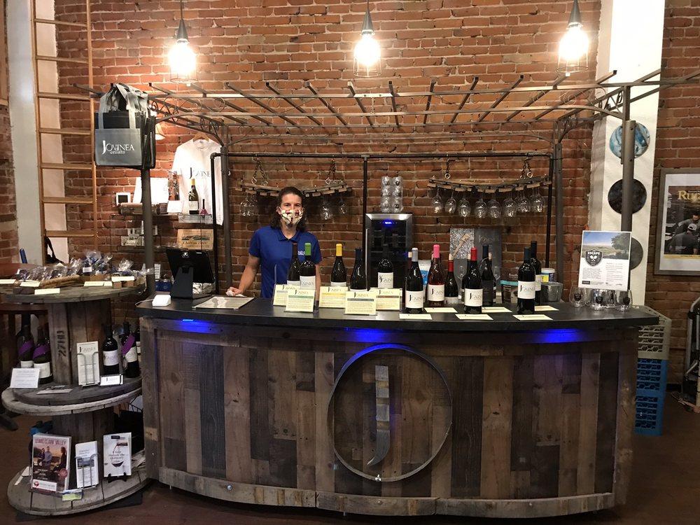Jovinea Tasting Room: 301 Main St, Lewiston, ID