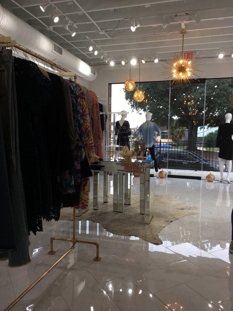 Gia's Boutique