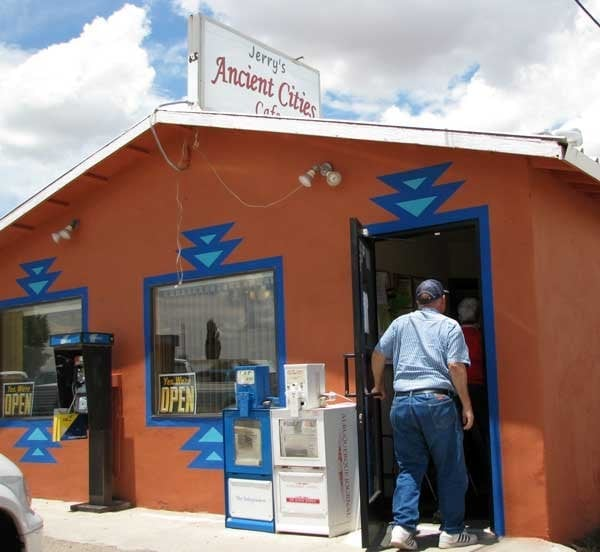 Jerry's Ancient Cities Cafe: 605 W Hwy 60, Mountainair, NM