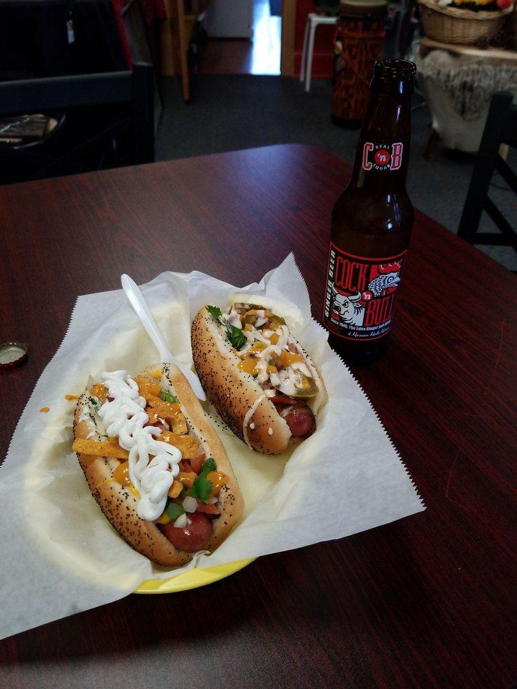 Hotdogeddy's: 700 S Main St, Elkhart, IN