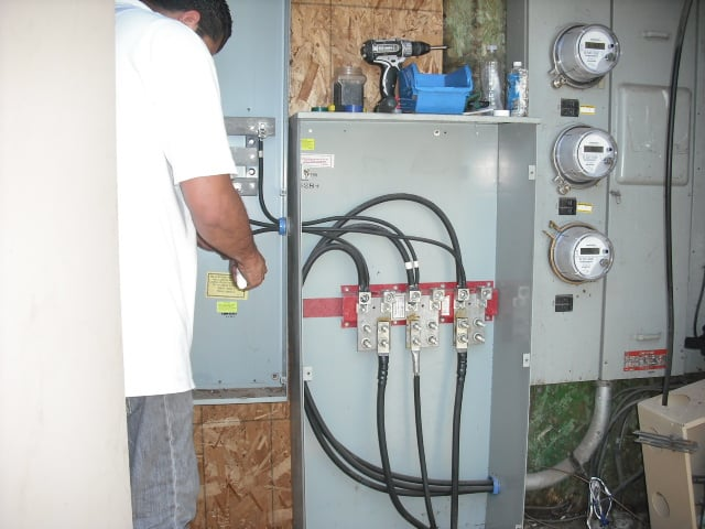 New Apartment Main 400 AMP Meter And Pull Section Project - Yelp