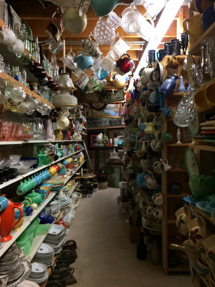 Russ & Barb's Antiques: 222 W Lincoln Ave, Chesterton, IN
