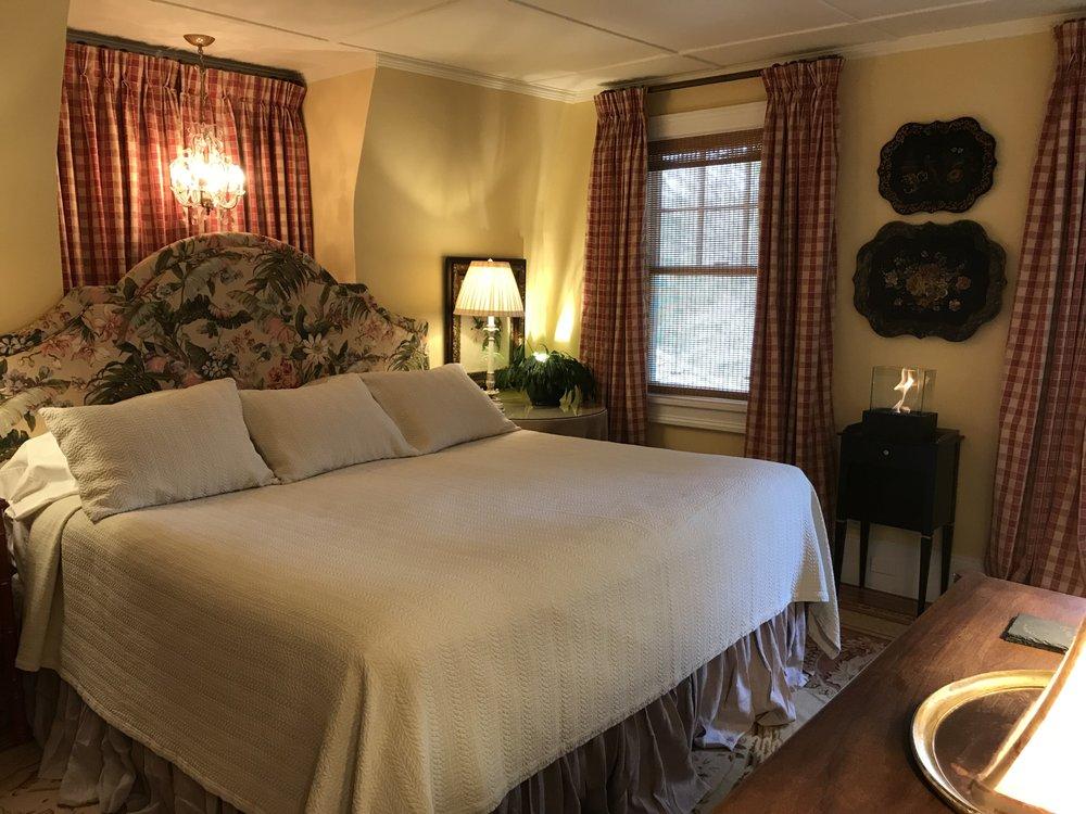Hilltop House Bed & Breakfast: 43 Depot Hill Rd, Amenia, NY