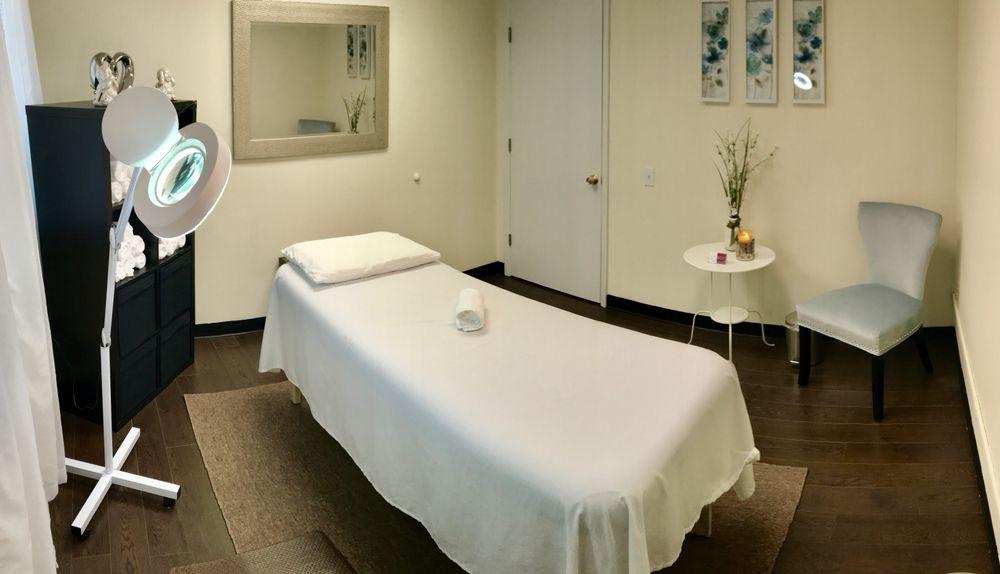 Body Waxing Center: 5659 Columbia Pike, Falls Church, VA