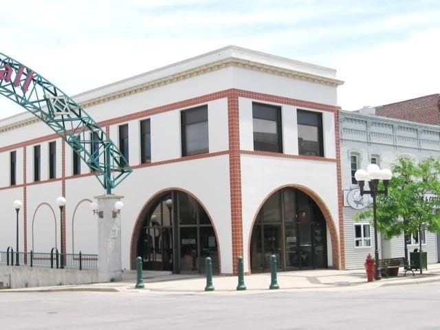 Antiques Plus: 28 N Minnesota St, New Ulm, MN