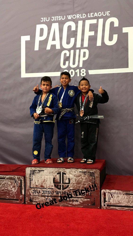 Estrella Jiu Jitsu School: 600 San Pablo Ave, Albany, CA