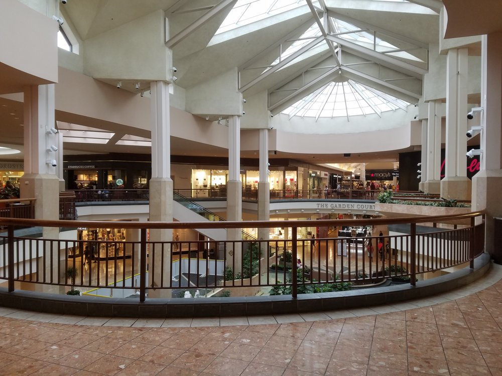 Saint Louis Galleria: 1155 Saint Louis Galleria, Saint Louis, MO