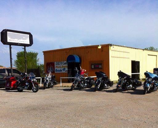 Turnpike Tavern: 33044 E State Hwy 51, Coweta, OK