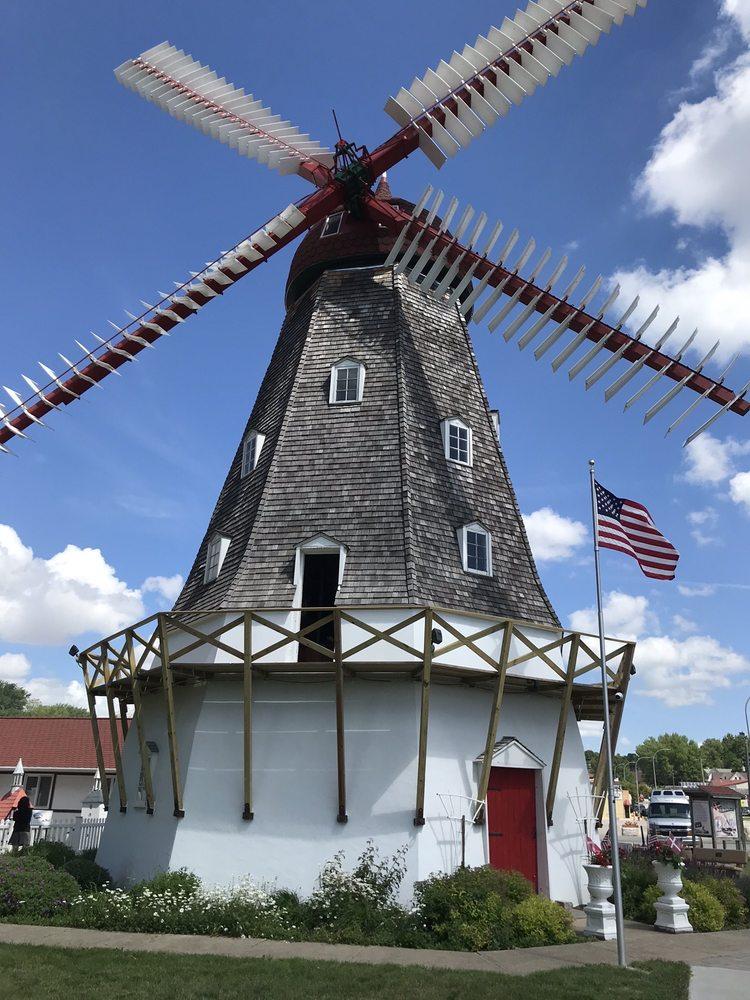 Danish Windmill Gift Shop: 4038 Main St, Elk Horn, IA