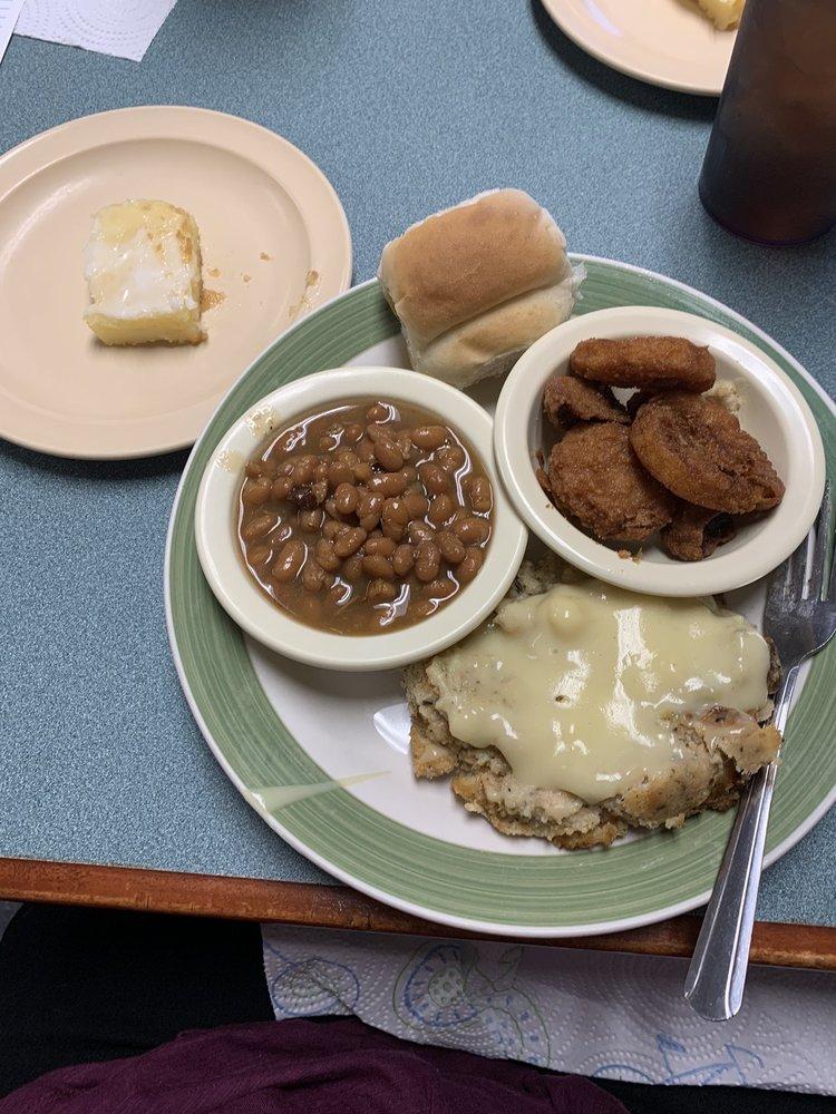 Holly Pond Cafe: 10800 US Highway 278 E, Holly Pond, AL